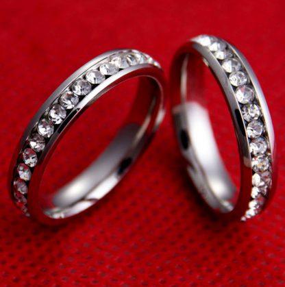 prstan iz nerjavečega jekla